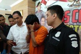 Ditangkap, pemelihara hewan curi makanan anjing di Denpasar