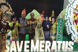 HST campaigns Save Meratus at national Banjar meeting