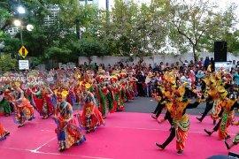 Ratusan penari ramaikan Festival Yosakoi-Remo 2019 di Surabaya (Video)
