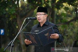 Bupati Cianjur mendapat piagam penghargaan dari BPJSTK