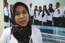 Dokter haji:  Bantu jamaah  calon haji lansia juga bernilai ibadah