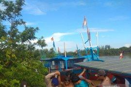 Diterjang ombak besar, kapal nelayan Mukomuko karam
