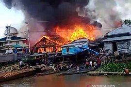 10 unit rumah di Daha Utara hangus terbakar