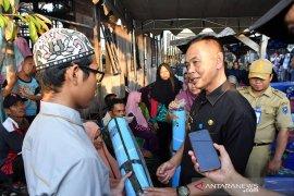 Sekda HSS serahkan bantuan untuk korban kebakaran Pasungkan Daha Utara