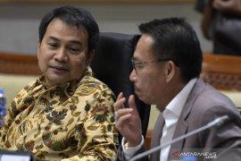 DPR tunggu surat Presiden terkait 10 capim KPK