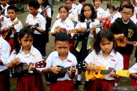Pemkot Ambon wajibkan kurikulum Mulok berbasis musik
