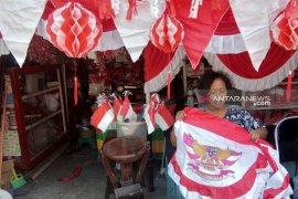"Pedagang ""Kampung Bendera"" Surabaya raup untung jelang Agustusan"
