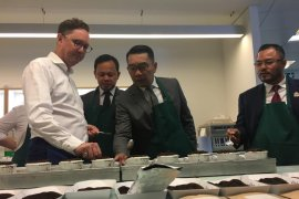 Ridwan Kamil promosikan teh Jawa Barat di Inggris