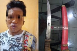 Warga Awang ditangkap polisi karena membawa senjata tajam