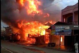 Kebakaran hebat melanda Batang Toru