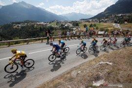 Tim dengan dua kasus positif corona akan didepak dari Tour de France