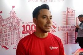 Darius Sinathrya mengenalkan olahraga sejak dini kepada anak