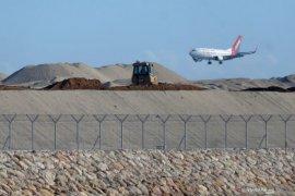 Menhub inginkan pergerakan pesawat di Bandara Ngurah Rai meningkat