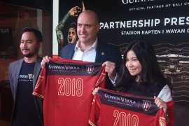 Bali United bekerja sama dengan Guinness Bola dukung Liga Indonesia 2019