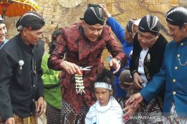 Ganjar Pranowo ingin tradisi cukur rambut gembel dikemas jadi atraksi wisata