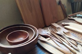 Pesanan alat dapur kayu jati di Bali meningkat