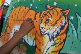 Dua harimau sumatera dilepasliarkan