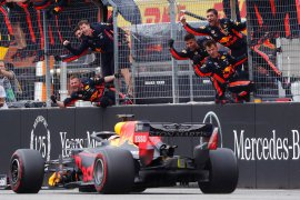 "Verstappen peringatkan Red Bull jangan ""telat panas"" jika ingin juara"