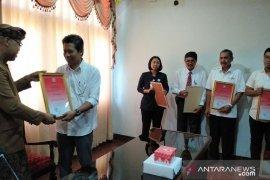 Disbud Bali beri penghargaan pihak yang sukseskan PKB