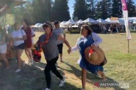 Berita dunia - -Siswa SMA California mengamuk tembaki teman-temannya