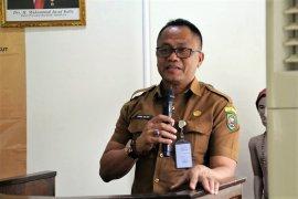 Sekda Maluku imbau masyarakat tidak beli masker berlebihan