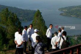 """Jokowi akan cabut izin perusahaan """"bandel"""" di kawasan Danau Toba"""