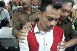 Vonis mati untuk pembunuh sekeluarga di Bekasi