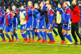 Basel kalahkan PSV, Celtic  dan APOEL lolos