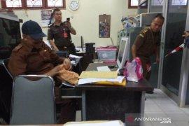 Kejati Babel geledah kantor Dinas ESDM terkait dugaan korupsi PJU