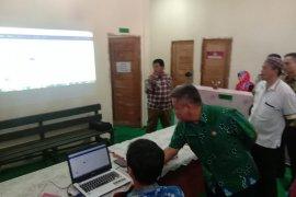 Bupati Kubu Raya dorong transaksi nontunai bagi desa