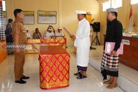 Bupati Bangli lantik pejabat perbekel Desa Landih