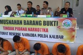 Polda Kalbar musnahkan 2,2 kilogram narkoba jenis sabu-sabu