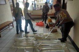 Polsek Teluk Ambon razia miras