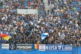 Laga kualifikasi Liga Europa di Rumania terjadi kericuhan lukai wasit