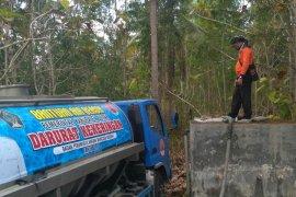 BPBD Blitar distribusikan air untuk desa dilanda kekeringan