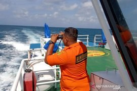 A fishing boat with 37 passengers on fire in Matasiri waters