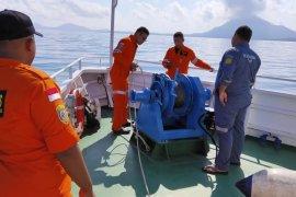 Dua KRI bantu mencari 31 korban kapal terbakar