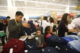 Peritel AS terpukul tarif impor China