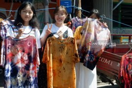 """Mahasiswa asing belajar sosiopreneur melalui """"SuraBali Summer Program"""""""