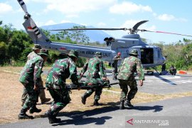 Marinir Indonesia-Amerika latihan evakuasi medis udara