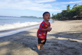 Pantai Lumintang salah satu potensi wisata Minahasa Tenggara Page 3 Small
