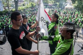 3.000 mitra Gojek Bandung ikuti Festival Merah Putih Mitra HUT RI