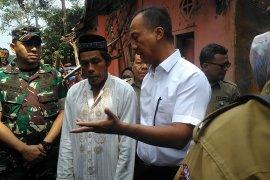 Mensos salurkan bantuan korban gempa di Banten