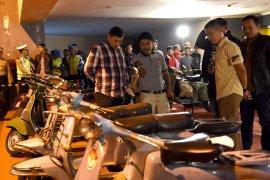 Pameran vespa bernuansa militer bersamaan HUT Kota Kediri