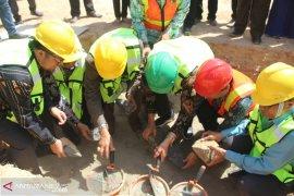 Asisten Kesra Letakan Batu Pertama Pembangunan MAN IC Paser