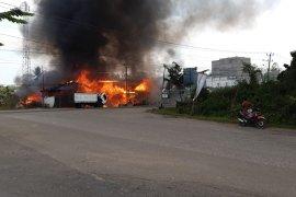 Empat rumah milik Harliansyah ludes terbakar