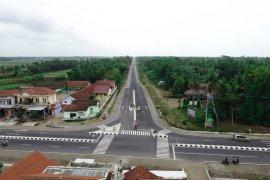 Menteri PUPR:  Jalan jalur pantai selatan Jawa ditingkatkan kemantapannya