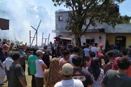 Empat rumah di Pematangsiantar terbakar, lima warga alami luka bakar