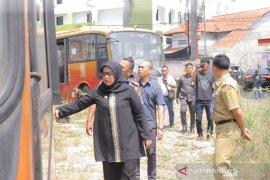 Bupati Bogor: Ratusan Transjakarta mangkrak di lahan kosong, jadikan bus sekolah saja