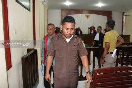 Mantan Bupati Tapteng Sukran Tanjung dituntut 8 tahun penjara, denda Rp1 miliar